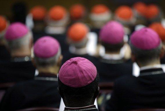 Vaticaan: 'Geen akkoord over holebi's en echtscheidingen'