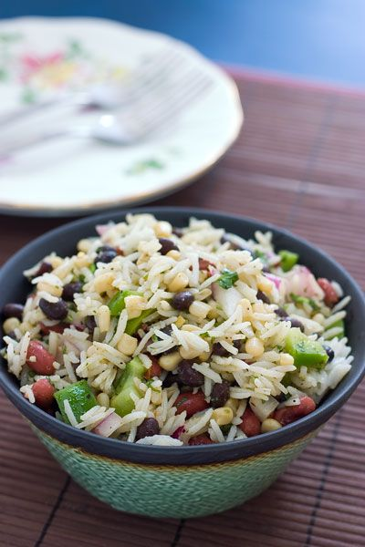 "salad ideas -- still trying to ""do"" the whole ""salad"" thing -- bean and rice (quinoa) salad with avocadoFun Recipe, Dinner Rice Recipe, Vegan Beans, Healthy Vegan Lunches, Beans And Rice Salad, Beans Salad, Chic Peas Salad, Mr. Beans, Healthy Rice Salad Recipe"