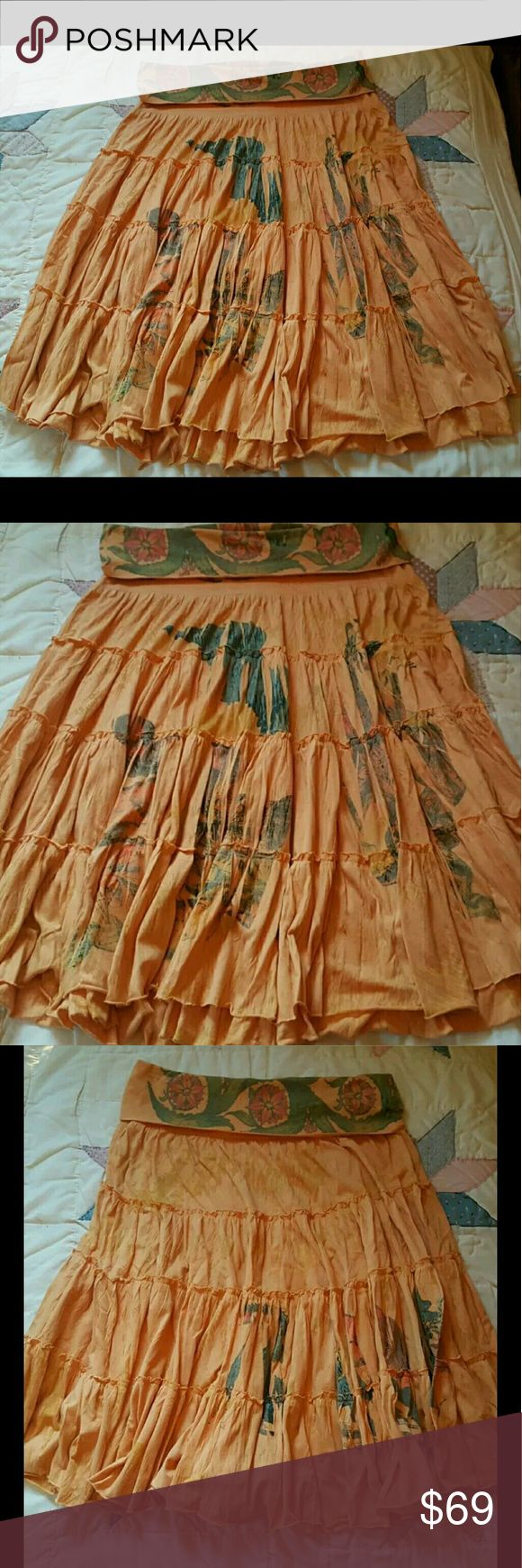 """Butterfly Dropout Tiered hippie Skirt Festival ??? Soo sahweet! Butterfly Dropout now defunct line of ahhmayzing clothing. Made in usa yayyy!! Sz large juniors .prob med women's  However STRETCHY fold over waistand and diff print. Orange w/yellowish streaks. Hard 2 describe color is subjective  *pic #4 taken WITHOUT FLASH rest w/flash* #Festival #coachella    Sublimation print. Full skirt, drapey w/gr8 movement, prob midi. At 5'1-2""""ish if I wear on hips  almost to ankles.  meaurments added…"""