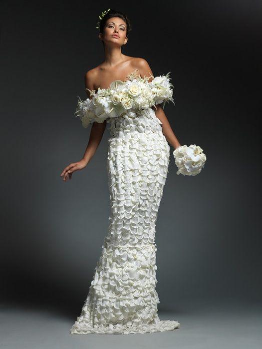 Самые необычные свадебные платья фото (22 фотографии)