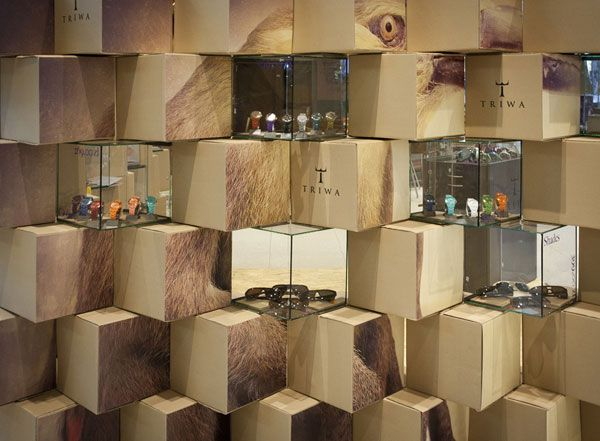 Been to Triwa? What awaits you is a cool pop-up store designed by Pawel and Jerzy Wozniak of the Mode:lina studio. You can reach the cool Pop-up store at t.