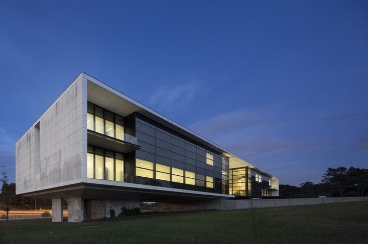 Agros Headquarters by Rocha Leite Arquitectos Associados #architecture #office