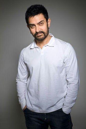 Aamir Khan es un actor, cantante, director y productor indio. Sobrino del director Nasir Hussain, Khan se convirtió en una estrella con la ...