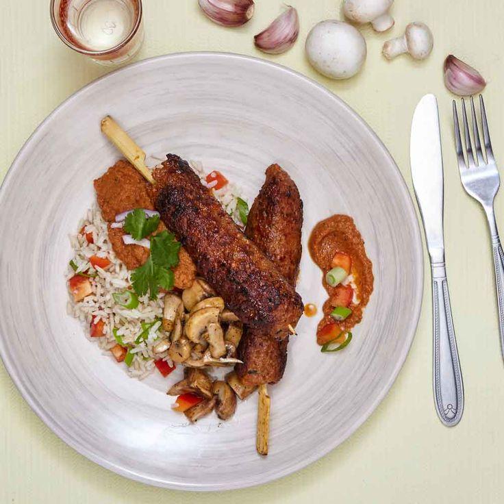 Verras je moeder of dierbare met heerlijke zoete köfte in zoete paprikasaus. Daar zal je je vingers bij aflikken. Fijne moederdag! Probeer het nu: https://chefali.nl/ #food #chefali #moederdag #healty
