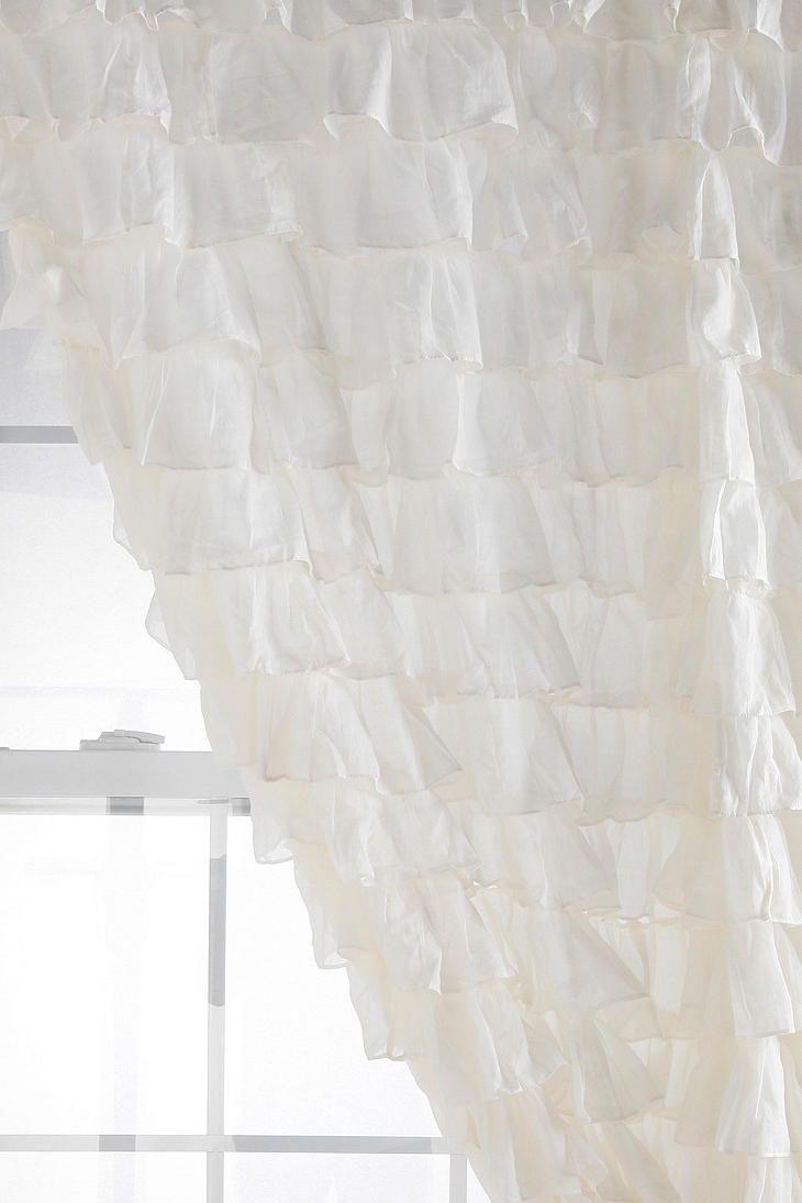 ruffle curtains- little girls room  mimooo