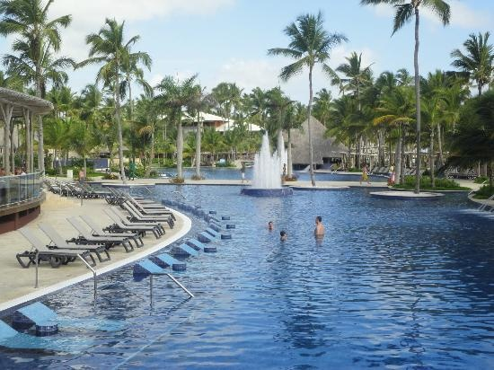 barcelo bavaro palace deluxe pool w built in loungers. Black Bedroom Furniture Sets. Home Design Ideas
