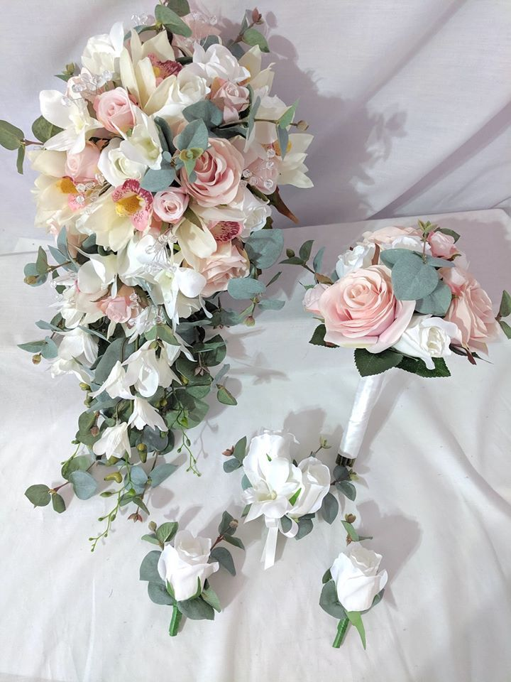 Pin By Julie Seymour On Flowers In 2020 Real Touch Wedding Flowers Flower Bouquet Wedding Fake Wedding Flowers