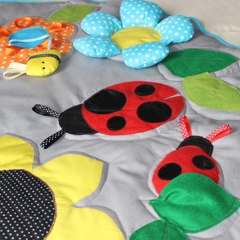 Grand tapis d'éveil pour bébé - Tapis de jeu enfant - Tapis tactile et sensoriel : Jeux, peluches, doudous par popelineco