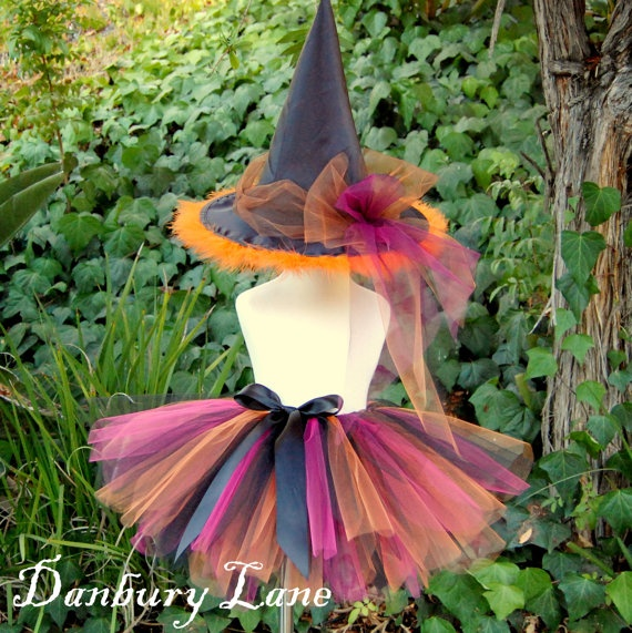I would have loved to wear this for Halloween when I was little!