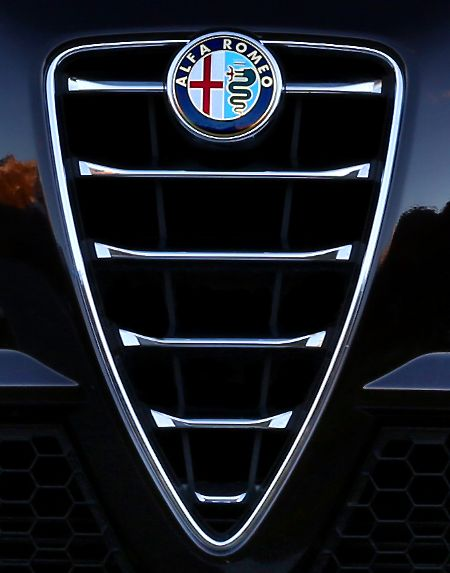 1000 images about alfa romeo on pinterest. Black Bedroom Furniture Sets. Home Design Ideas