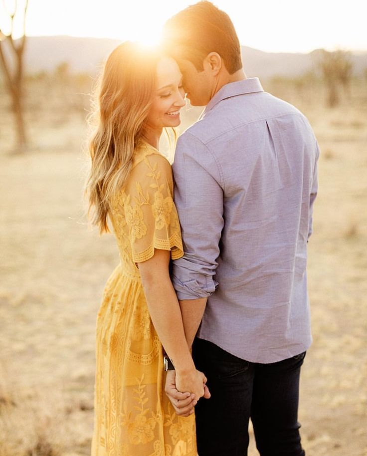 Couple in love at the beach 🤵👰 Wedding 📷 Photography 📸 Photo Ideas …