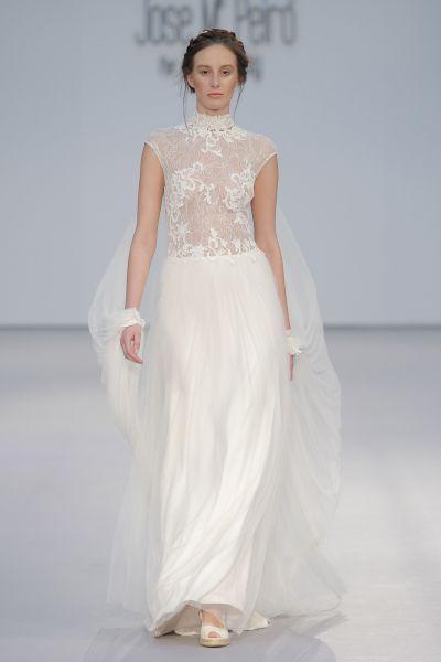 Vestidos de novia cuello cisne 2017: Déjate seducir por su elegancia en tu gran día Image: 12