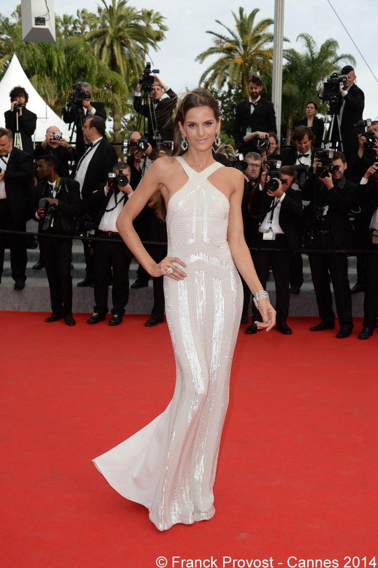 Le top Izabel Goulart, resplendissante sur le Tapis Rouge. #Festival #Cannes #Croisette #Hair #FranckProvost #Glamour #Cannes2014 #FPCannes2014