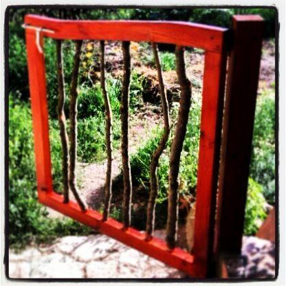 Porta de jardí, a vegades les coses son diferents / Puerta de jardin, a veces las cosas son diferentes