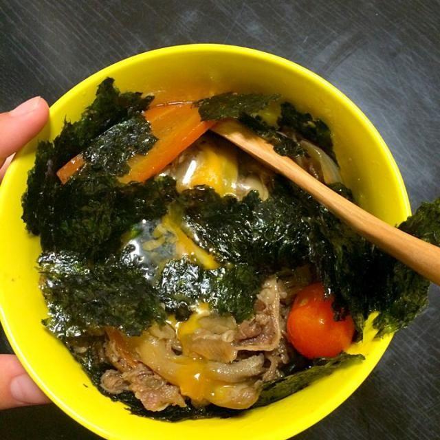 韓国のプルコギは基本漬け込んでます。 お店と比べて自宅の火はどこの国も弱いのでスープが出ることが多いです。子供らが食べるので少し甘めでも野菜たっぷりにしてよく丼にします!  簡単にできるので、疲れてる時や時間があんまりない時におすすめです。  ただ、、、 ダイエットにはおすすめしません、、、  レシピ、、、そのうちアップします! - 32件のもぐもぐ - 母の味をリメイク。韓国プルコギ丼。長女バージョンwithミニトマト by crystal88