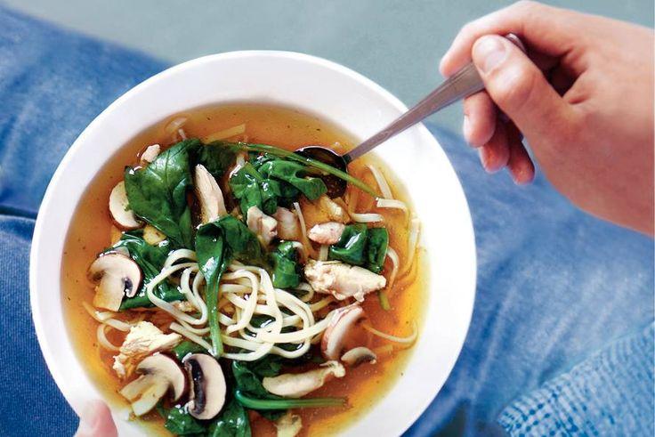 Kijk wat een lekker recept ik heb gevonden op Allerhande! Chinese kippensoep met spinazie