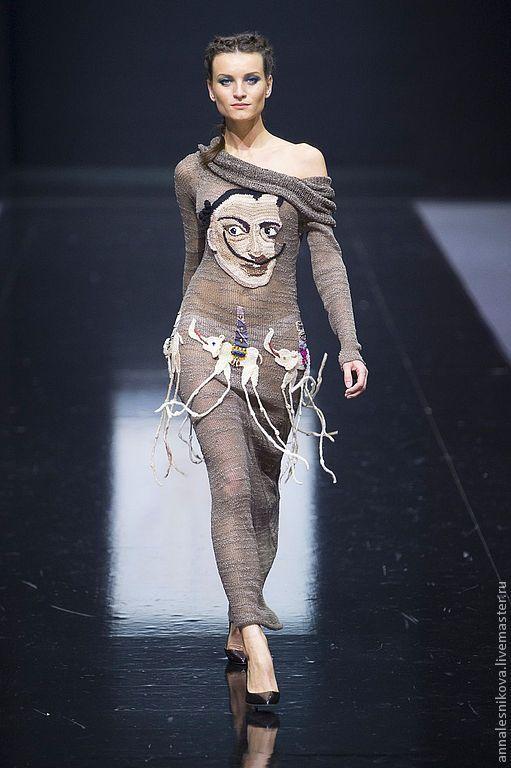 """Купить Платье """"Сальвадор Дали со своими слониками"""" - бежевый, рисунок, Анна…"""