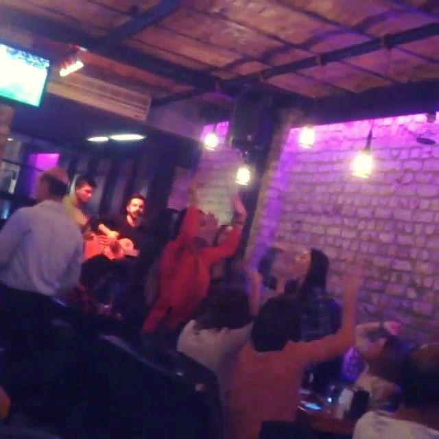 Şarkılar Benden ���� Pazartesi hariç her akşam saat 20.30 da Beyoğlu Nevizade @sanat_restaurant sahnesinde���� Rezervesyon��: 05325414743 #okanreis #sanat #sahne #canlimuzik #beyoglu #taksim #instacool #instagood #canliperformans #istanbul #instamusic #music #sanatrestaurant #nevizade #goodmusic #pop #sarkilarsizinicin http://turkrazzi.com/ipost/1521147171528170278/?code=BUcM0sKBtsm