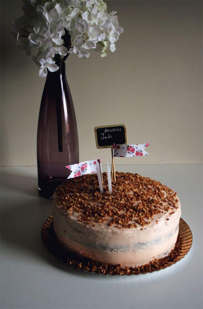 petiscosemiminhos: Bolo de ruibarbo e morango com buttercream de ruibarbo/ Rhubarb and strawberry cake with rhubarb buttercream