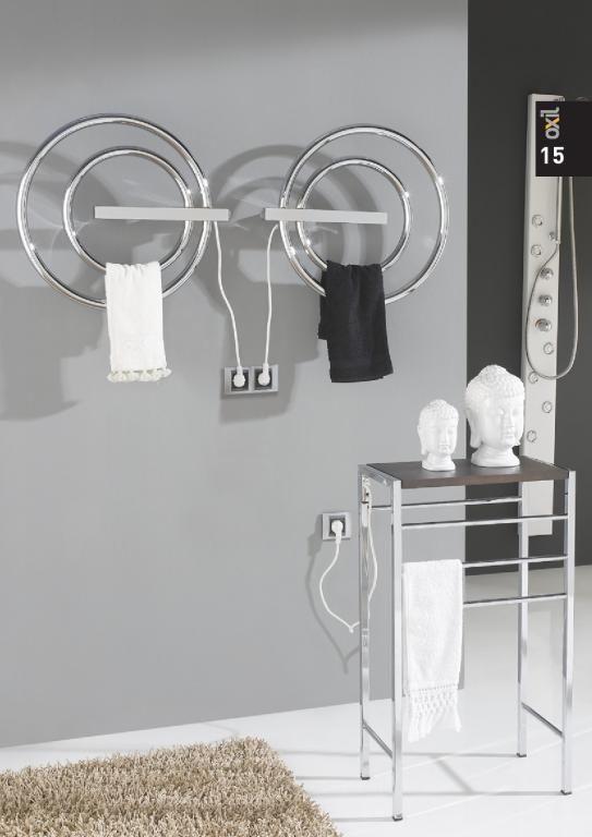 http://nccocinaybano.com/toalleros-electricos/893-toallero-electrico-rondo-oxil-secatoallas.html Toallero eléctrico Rondó de Oxil es un toallero de acero de bajo consumo. Disponible en acero cromo, acero cromo acabado inox, blanco, grafito y negro.