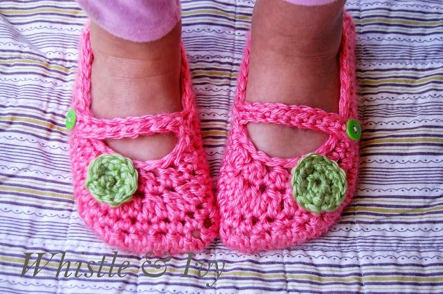 Free Crochet Pattern - Toddler Little Dot Mary Janes. Beautiful slipper pattern for your toddler girl. {Pattern by Whistle and Ivy}