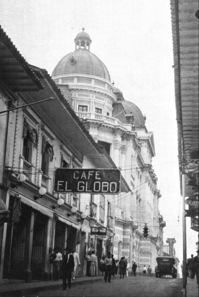 Ricardo JaramilloFOTOS ANTIGUAS SANTIAGO DE CALI. Famoso Café El Globo.