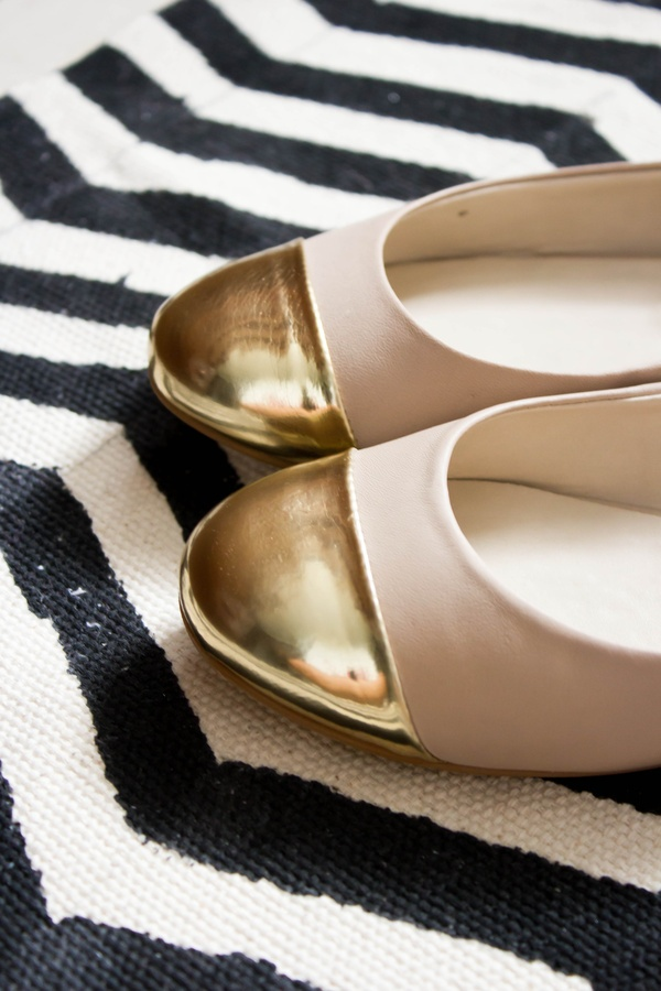 Gold Dipped Flats...so cute!