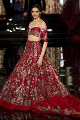 Indian Couture Week 2016 came up to not only flaunt Manish Malhotra's Collection but gave a platform to Deepika to address many questions revolving around her identity.