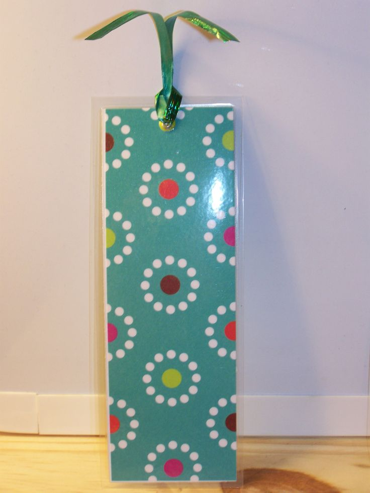 laminated paper bookmark (sq.) - grn w/dots