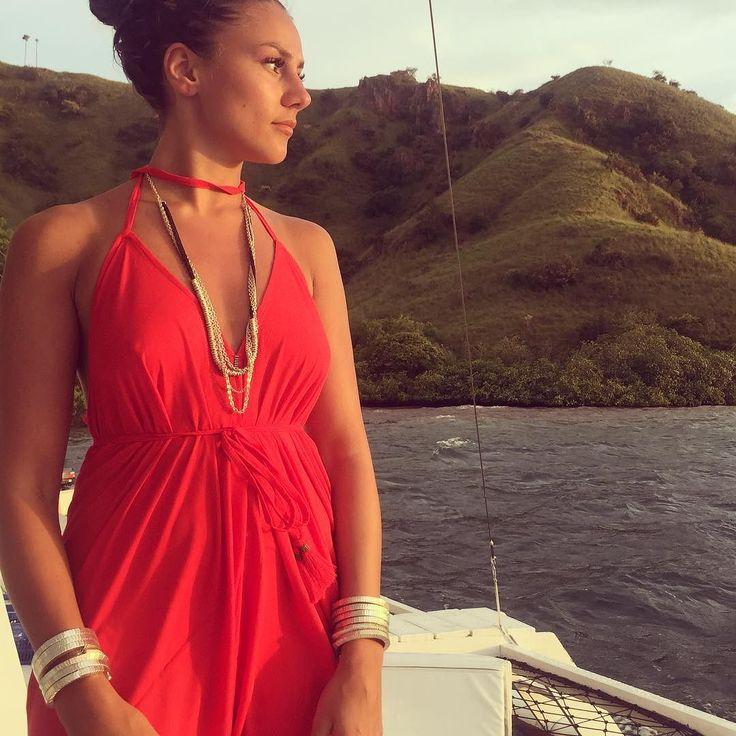 Simply perfect Sunday via @hmabic Gorgeous in red #thatzebrajumpsuit #lovelife #boat #girlsjustwannahavefun