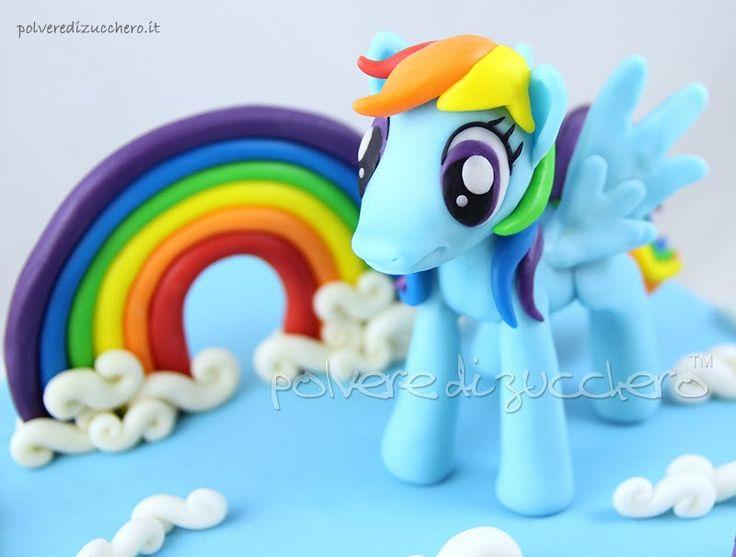 Polvere di Zucchero: cake design e sugar art. Corsi decorazione torte,biscotti,cupcakes e fiori: Torta My Little Pony: Rainbow Dash, Rarity, Applejack