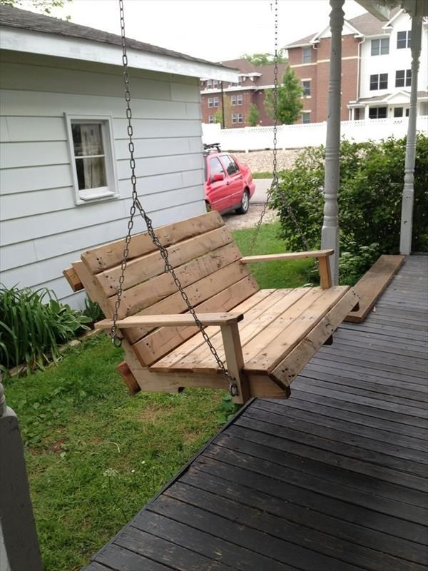 DIY Recycled Pallet Bench Swing normally designed for the youngsters to sit there and appreciate. Pallet patio swing bench sometime can older sit and also appreciate your swing in spare time.