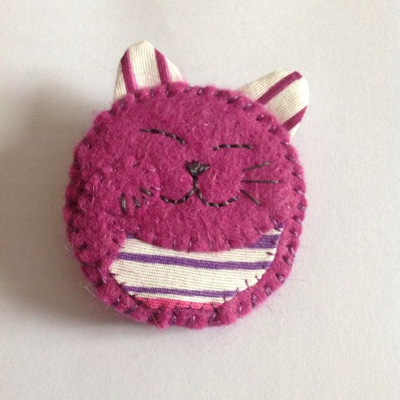 Felt Lucky Cat Brooch cat badge colourful by ChickFromLeeds