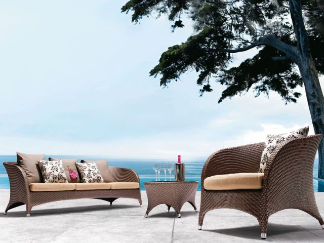 Mondecasa Las Vegas Outdoor Sofa Set