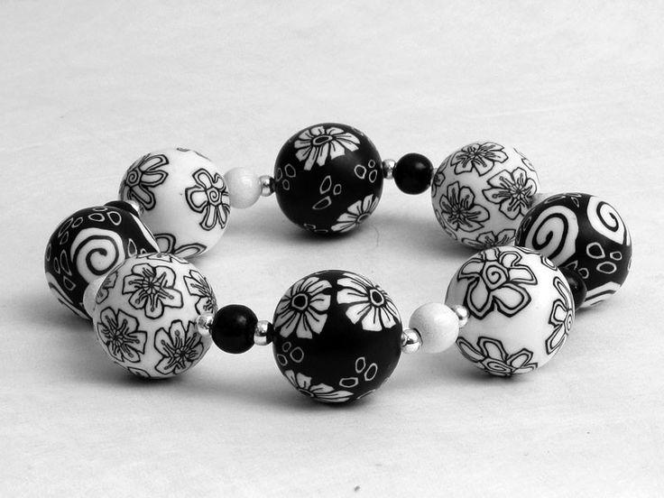 Armbänder - Schwarz weiß Armband Polymer Clay Fimo Perlen  - ein Designerstück von filigran-Design bei DaWanda