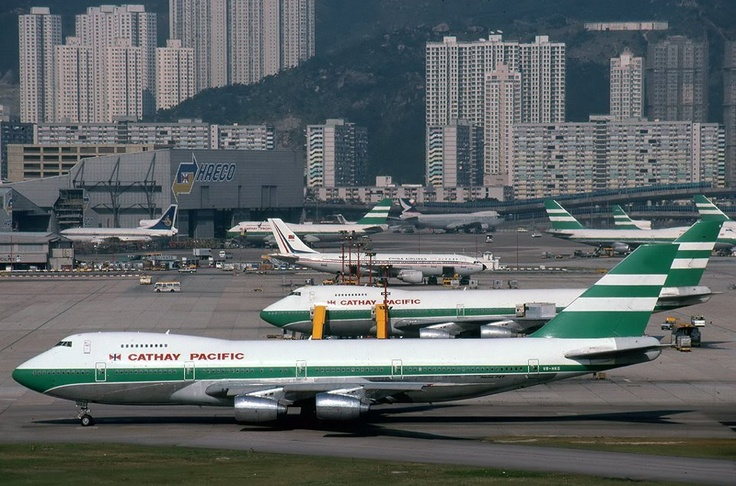 Cathay Pacific B 747  at Kai Tak - Hong Kong