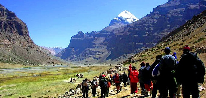 How to plan Kailash Mansarovar Yatra by Road or by Helicopter to explore the land of lord Shiva....