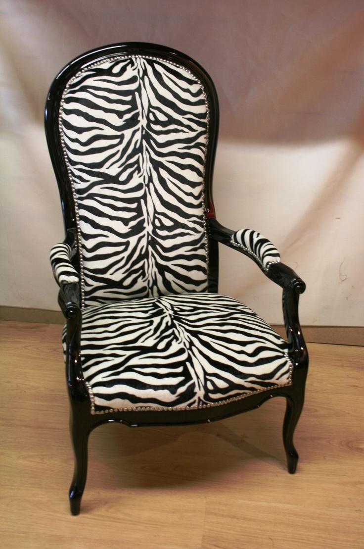 """Monsieur Voltaire aurait-il aimé lire et écrire dans ce fauteuil """"Jungle"""" ?"""