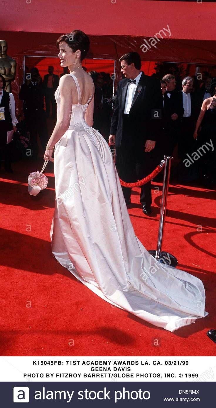 Geena Davis In Bradley Bayou At 1999 Oscars Gorgeous Dresses Red Carpet Looks Formal Dresses Long