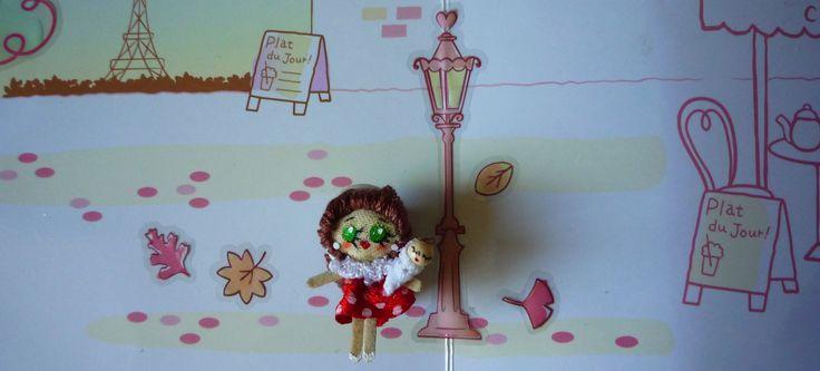 "MAMA,  Muñeca de trapo miniatura ( 1 1/2""). Miniature rag doll ( 1 1/2""). By Georgina Verbena"