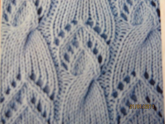 Knit Stitch Instructions With Pictures : 201 best images about lace knitting for curtains. on Pinterest Knitting sti...