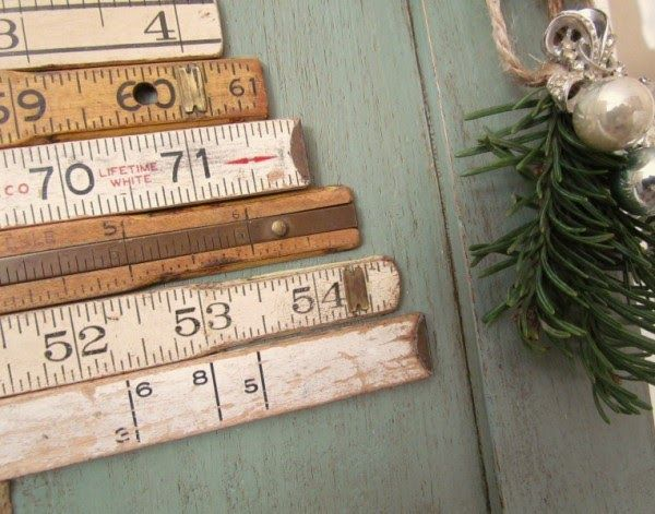 How to make a Christmas tree wall hanging with vintage folding rulers.