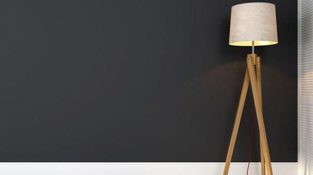 Les 25 meilleures id es de la cat gorie peindre plinthes - Peindre un mur en noir mat ...