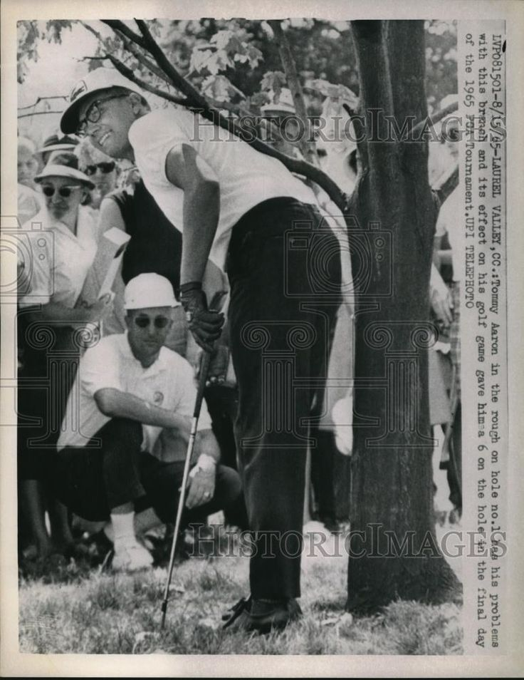 1965 Press Photo Golfer Tommy Aaron In Rough On Hole No 1 At PGA Tournament