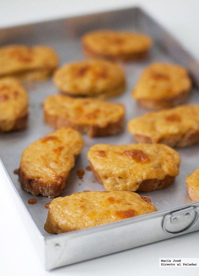 Tostadas de queso cheddar con mantequilla