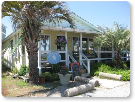 Seabiscuit Cafe on the #IsleofPalms. A local favorite that isn't so secret. In the summer months, there is often a wait. But the food is well worth the wait. A must do for breakfast or lunch while on your Isle of Palms vacation. www.dunesproperties.com