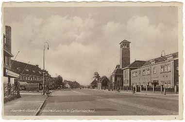 De Rijksstraatweg met St Catharinaschool ±1950