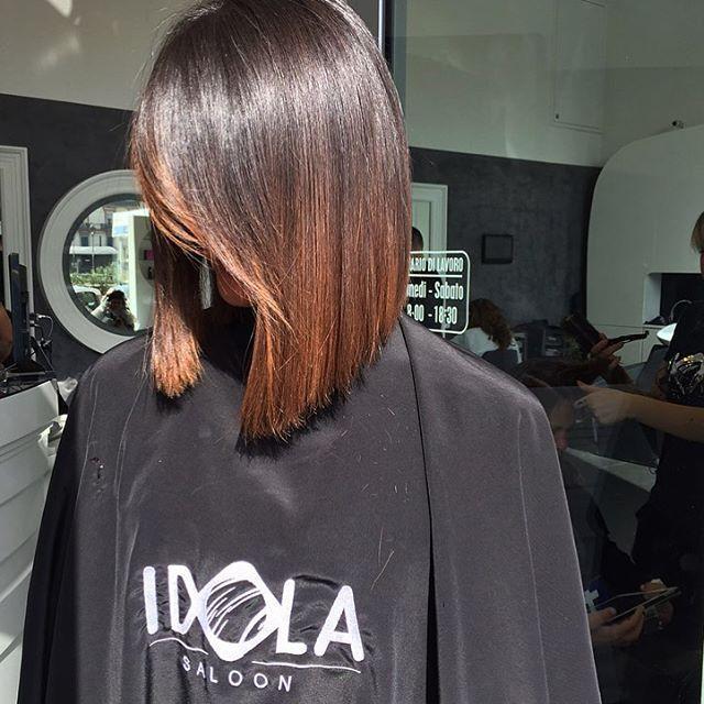 Cool, chic e femminile•il taglio bob• ha stile e non passa mai di moda!Se stai cercando un taglio capelli corto il taglio bob potrebbe essere quello giusto per Te💥  Noi ci troviamo a Piazza nazionale 42a 43 📞PER INFO: 081201024 ✅WHATSAPP: 3317443476 ✂️HAIR IDOLA SALOON  #idola #saloon #parrucchieri #arte #napoli  #fashion #hair #cut #Napolistyle  #amalfi #portici #salerno #sorrento #Ischia #procida #capri #caserta #salerno #Bari #firenze #roma #milano #blogger #wedding #ombrehair…