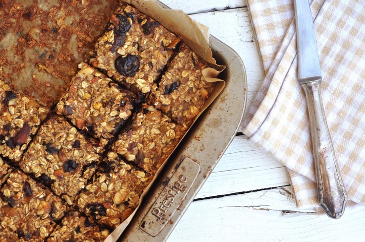Breakfast Oatmeal Bars these are shockingly healthy and really good