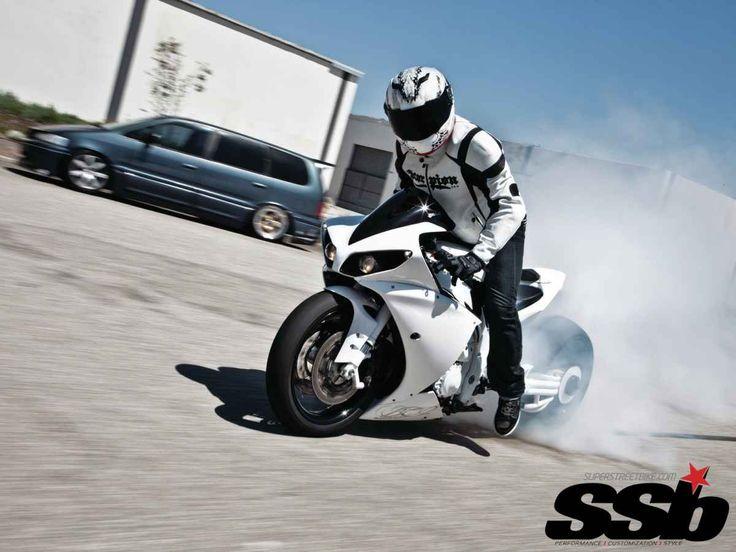Race-Spec 2009 Yamaha R1 vs. Fat-Tire 2012 Yamaha R1 | When Worlds Collide